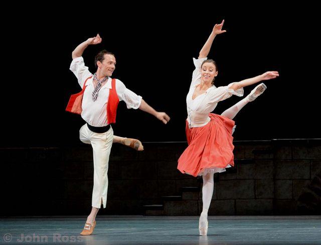 Bolshoi+Ballet+-+Flames+of+Paris+-+16_03