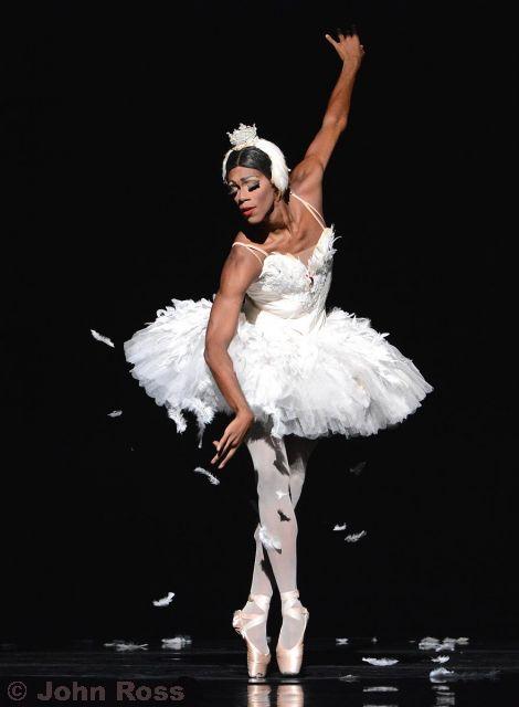 Les+Ballets+Trocadero+2018_102+Duane+Gos